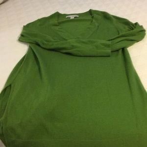 Lovely green cashmere sweater. Size S